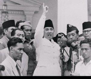"""PIDATO BUNG KARNO """"GANYANG MALAYSIA"""""""